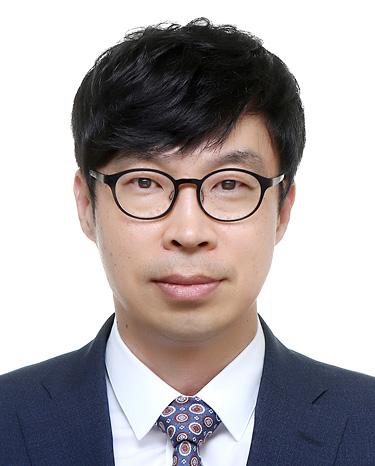 Woong Kyung Kim